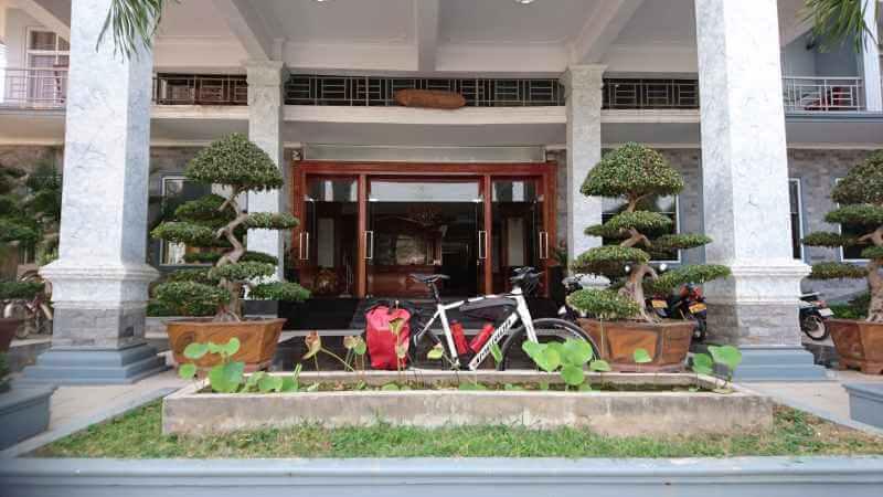 Golden Sun Vientiane (2)-s