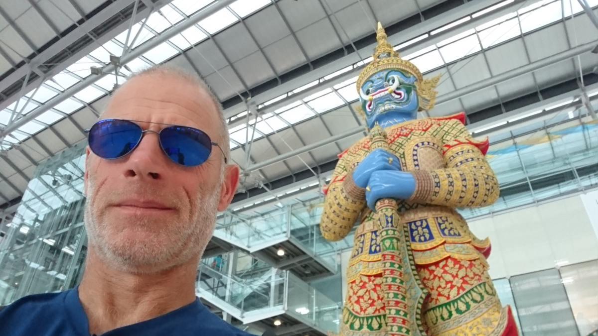 am Flughafen Bangkok (2)-s