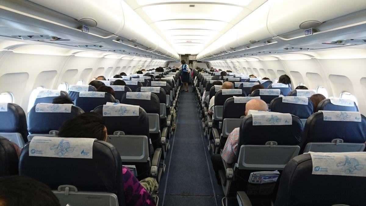 im Flugzeug BKK-Air-s