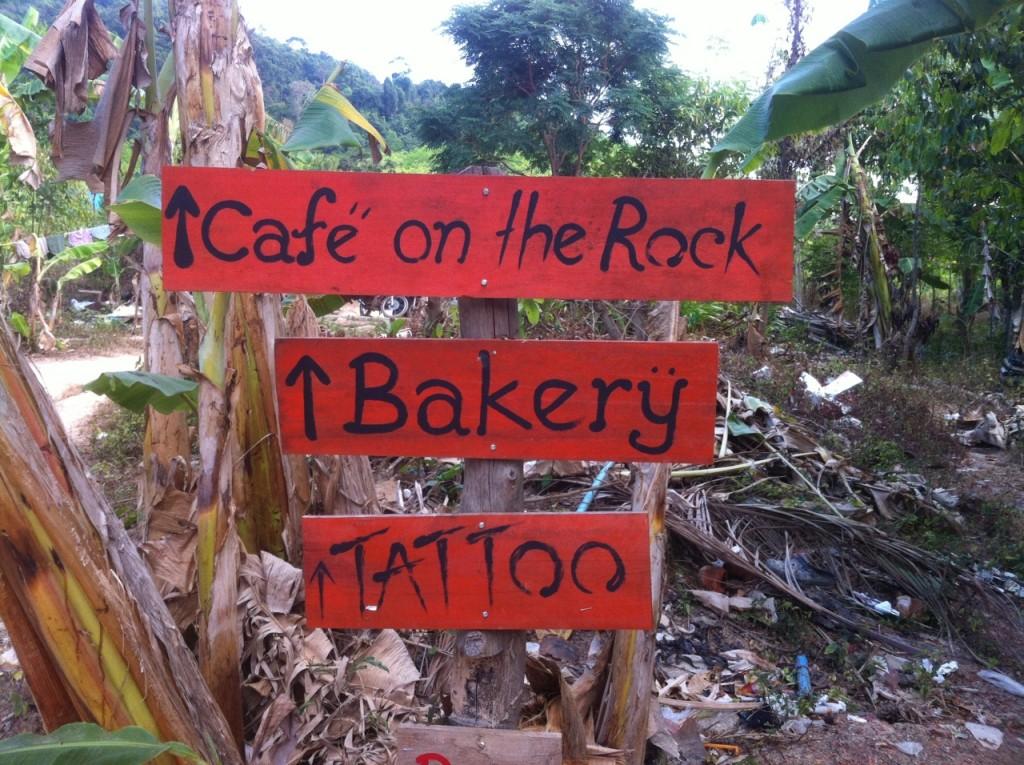 Nur 200 meter oberhalb vom Koh Chang Ressort liegt das Café von Diana