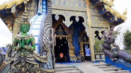 Wat Rong Suea Ten - Temple of the dancing tiger