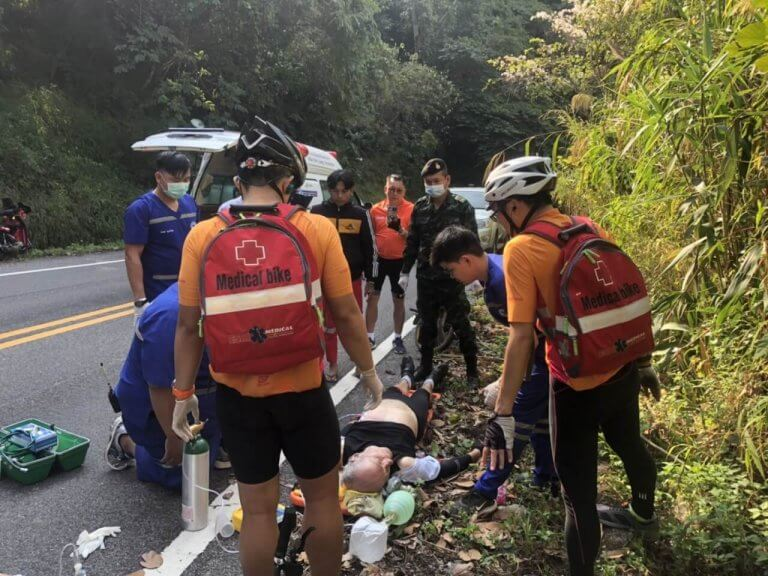 Rettungssanitäter bei Wiederbelebung