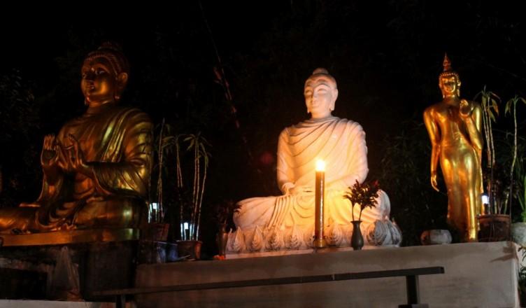 Happy New Year im Tempel bei Mae Sai Thailand