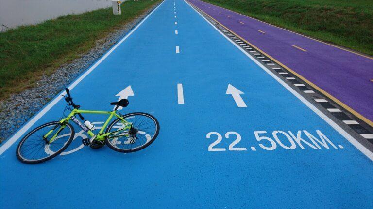 Radfahren am Flughafen Suvarnabhumi