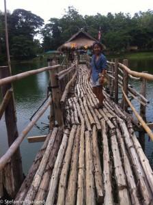 Stefan in Thailand am Sao Hin Phayanak See bei Mae Sai, Chiang Rai, Nordthailand